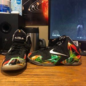 Nike LeBron 11 Everglades size 7